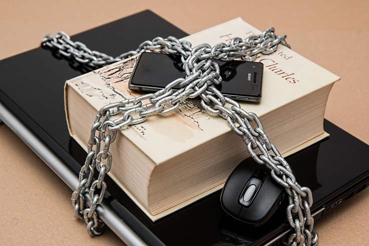 prohibir-redes-sociales
