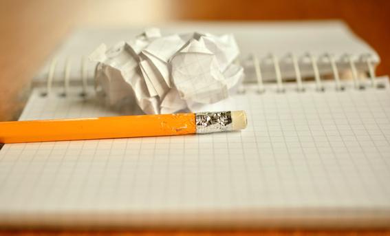 escribe-en-papel escribir mejores articulos en un blog