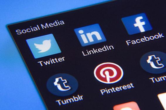 practicas seo posicionar blog comparte en redes sociales